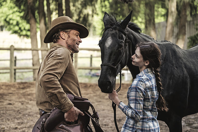 Black Beauty, Disney+, Iain Glen, Mackenzie Foy